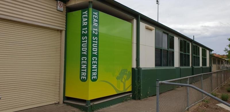 panel-signage_golded-grove-highschool-02
